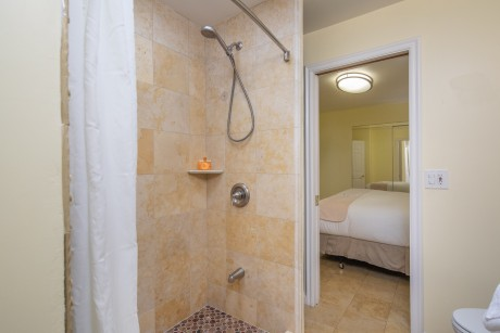 Welcome To Vendange Carmel Inn & Suites - Deluxe King Suite